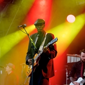 Maxi Jazz on the Main Stage at The Big Feastival